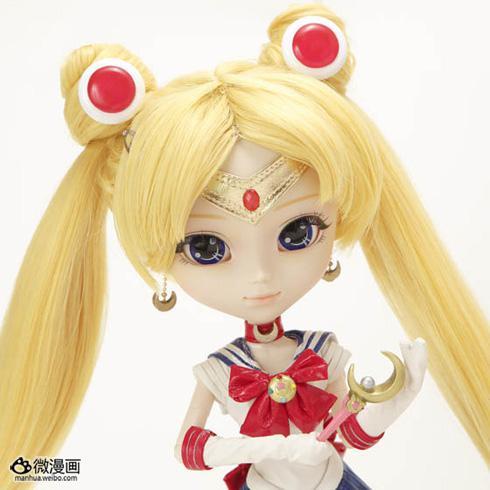 《美少女战士》推出可以眨眼的�r尚人偶!