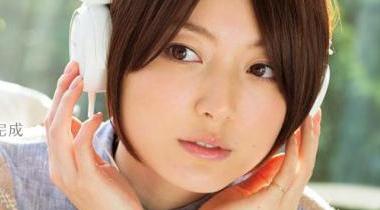 花泽香菜1st专辑周销量1.5万 排名Oricon第6